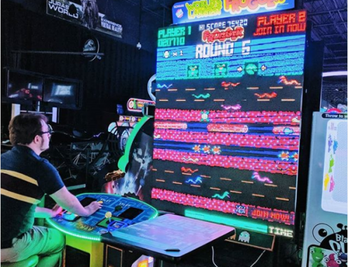 Newsbytes: World's Largest Frogger Sighting; Jurassic Park Pinball; Arcade Merchandise & More